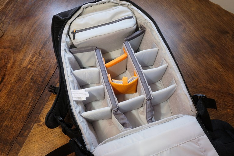 Lowepro 400 Flipside - default configuration