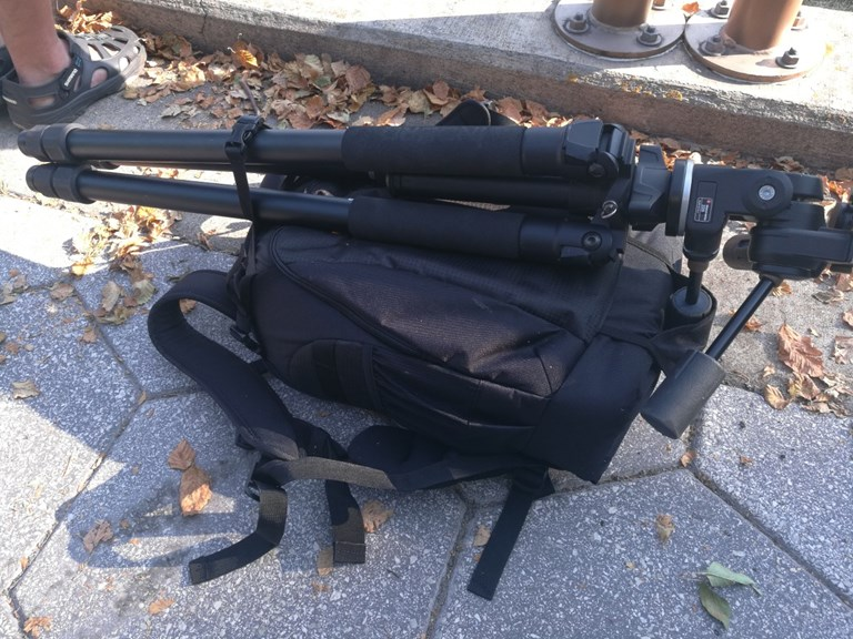 Lowepro 400 Flipside with Induro AT-413 Tripod