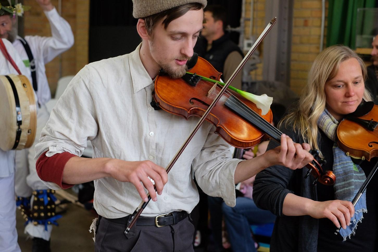 Night 1: Klye Ollah on Fiddle